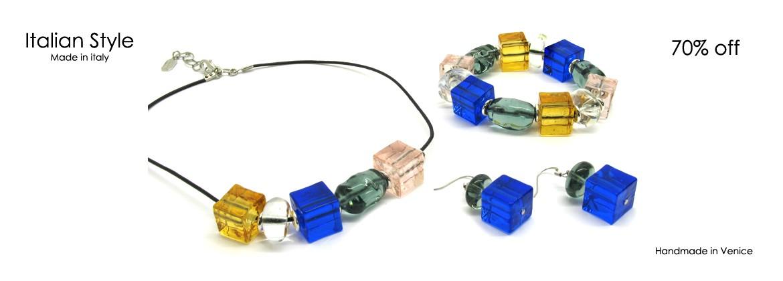 Parure in vetro di Murano Mod. Marilù, con Collana (45 cm) in perle assortite (14X14) Bracciale (22 cm) e Orecchini (4 cm) con perle assortite