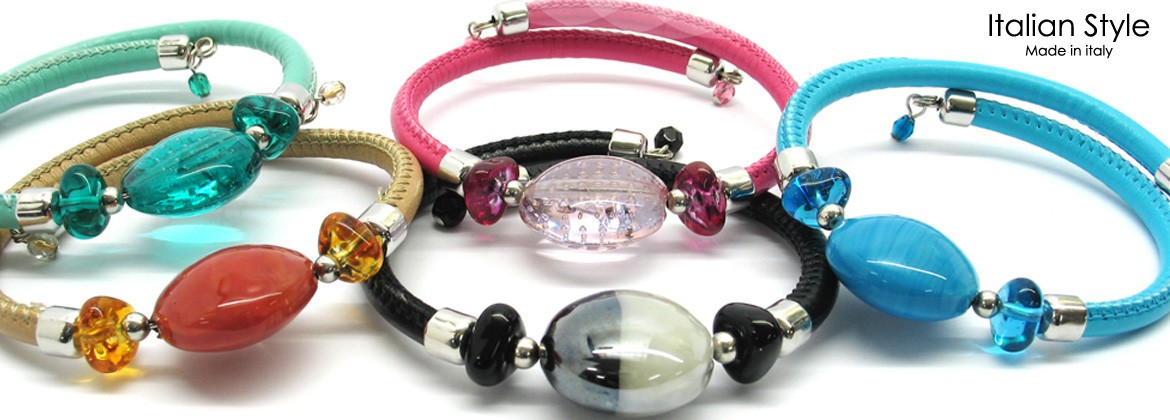 Murano Glass Bracelet, Mod. Diana (21 cm) made with beads 20 mm in diameter, imitation leather strap extendable, available in 12 assorted Colours