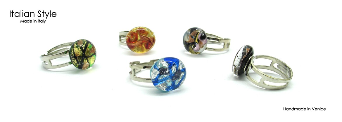 Murano round Ring, 15 mm in diameter, available in 10 different colours, adjustable band in allergy-free metal. standars size,