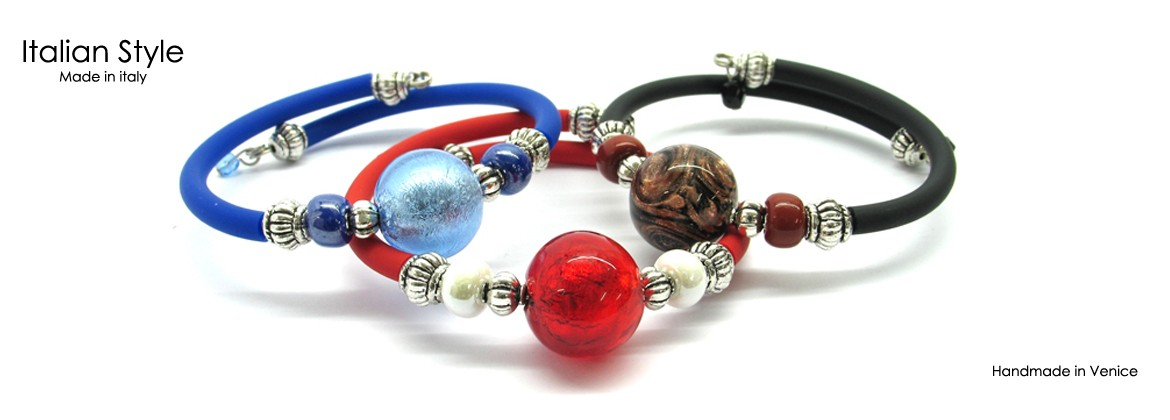 Murano Glass Bracelet, Mod. Betty (21 cm) made with beads 15 mm in diameter, caucciù strap extendable,